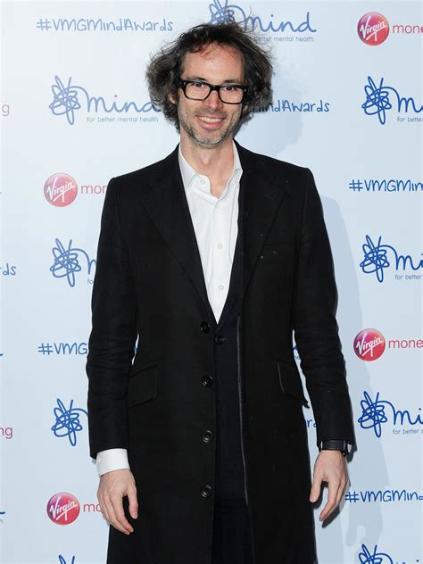 Top pianist James Rhodes blames Ofsted for lack of music