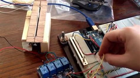 First motor fader with 9v battery test - YouTube