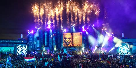 Tomorrowland 2015 Music Festival – The WoW Style