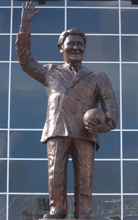 Scouse Pie and Bovril: Football Statues - Part 1