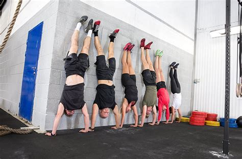 Crossfit Women - Workouts for Beginners | Tips & Advice